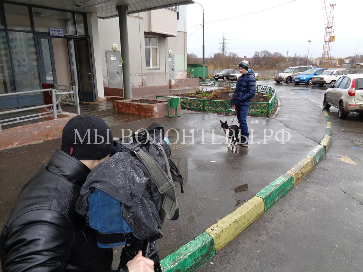 саша-аксенов-айка-рабочий-момент-съемка-подъезд